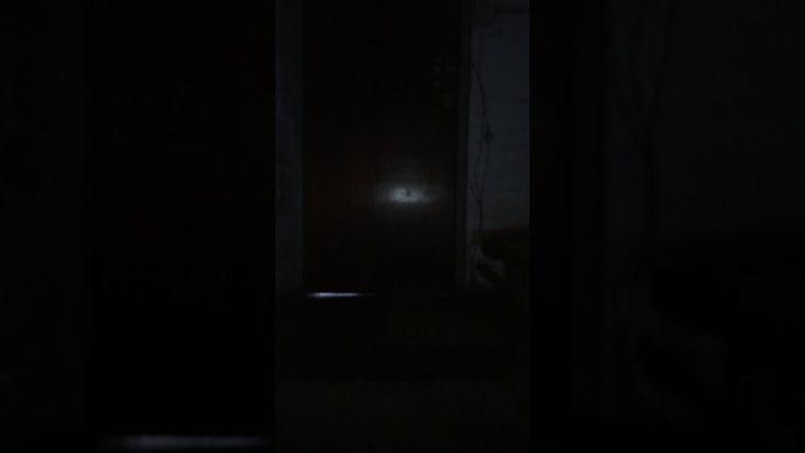 #Sobrenatural Fantasmas y Asombrados en edificio abandonado: En este video , se puede ver la escalera de una estación eléctrica antigua .…