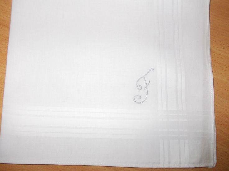 pañuelo bordado por mí(Rosario Bellón)