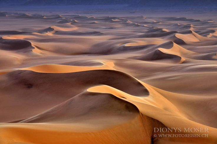 "Paradies dunes - This is taken on our last <a href="" http://www.fotoreisen.ch/en/egypt/white-desert"">White Desert Fototour</a> in Egypt.  Enjoy a first class Photography Tour trip!"