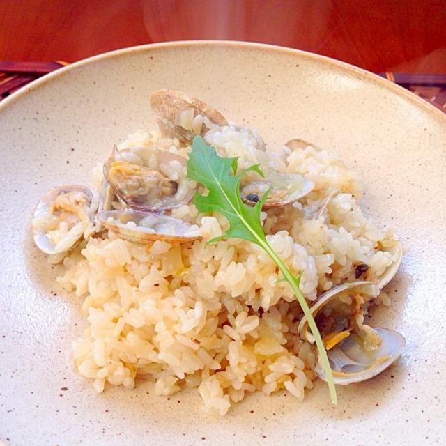 Clam riceスペイン風のあさりご飯 パエリヤは水分が少ないもので、アロースはご飯に近いぐらいのものだとか なのでセットしたら炊飯器お任せでお手軽スパニッシュ - 82件のもぐもぐ - Arroz con almejasあさり入りごはん by honeybunnyb