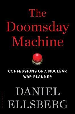 From the legendary whistle-blower who revealed the Pentagon Papers, an eyewitness exposé of the dangers of America's Top Secret, seventy-year-long nuclear policy that--chillingly--continues to this day.