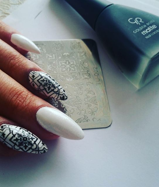 Blondynka online: Biało czarne paznokcie stemplowanie blaszki z Aliexpress