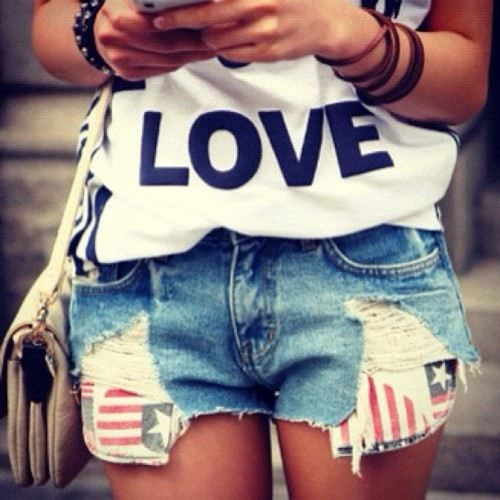 l.o.v.e: Denim Style, Day Outfits, White Fashion, Summer Style, Rocks Stars, Cute Outfits, Shorts Shirts, 4Th Of July, Jeans Shorts