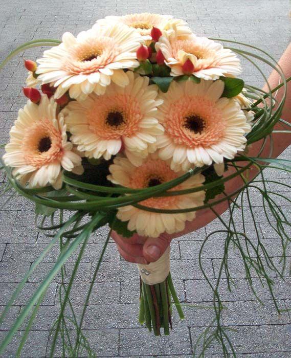 Brautstrauss In Pastell Lachs Gerberas Pinterest Bouquet