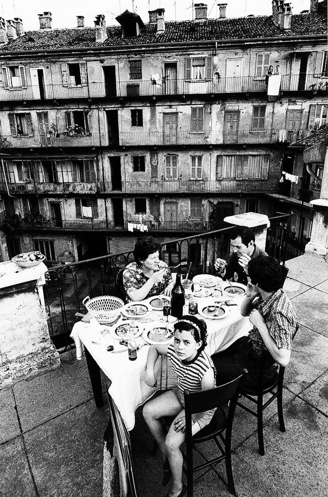 25 Breathtaking Black and White Photos of Everyday Life in Italy from the 1960s