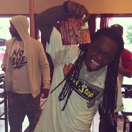 Lil Wayne To Be Featured On A Pimp C Posthumous Album- http://getmybuzzup.com/wp-content/uploads/2014/10/377258-thumb.jpg- http://getmybuzzup.com/lil-wayne-featured-pimp-c-posthumous-album/- By Danny M Pimp C's wife, Chinara Butler, has issued a statement about an upcoming biography on her husband that is being worked on by Julia Beverly. In this statement, Chinara mentioned that there is a Pimp posthumous album currently being worked on that will feature Lil Wayne, Bun B,
