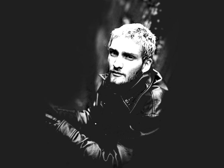 Layne could never be replaced, but I'm glad that AIC is still together making music. Will never sound quite the same though. RIP Layne
