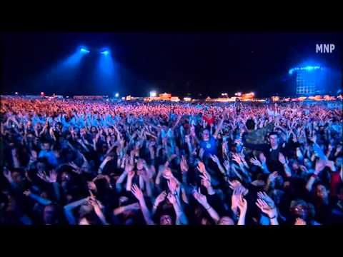 Click the photo...beautiful performance.  Robbie Williams - Angels (Live at knebworth) HD