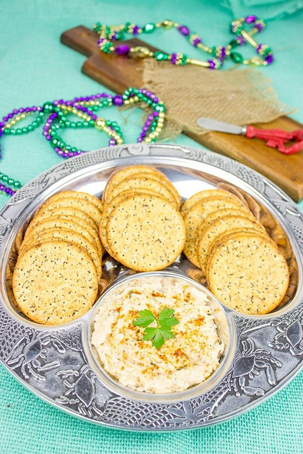 Just in time for tailgate season, this Hot Cajun Crab Dip will be the ...