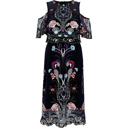 Navy floral embroidered mesh midi prom dress € 120,00