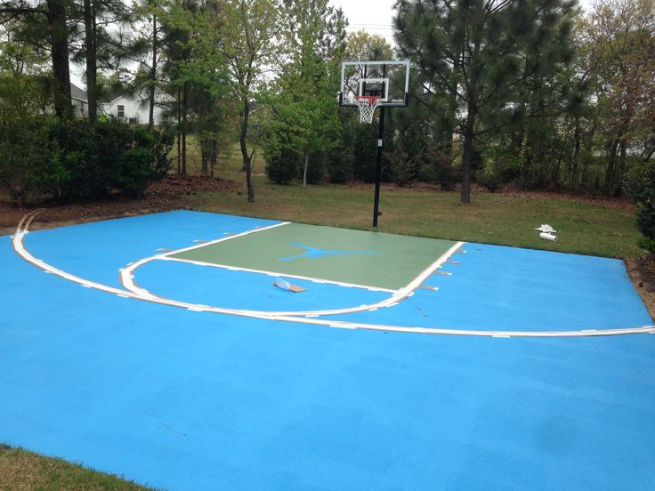 25 best outdoor basketball court ideas on pinterest for Diy sport court