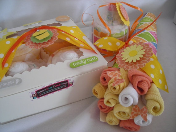 baby blanket bouquet & other baby shower giftsBaby Shower Ideas, Gift Ideas, Diapers Gift, Diapers Cake, Adorable Diapers, Baby Shower Gifts, Gender Neutral, Diapers Cupcakes, Washcloth Bouquets