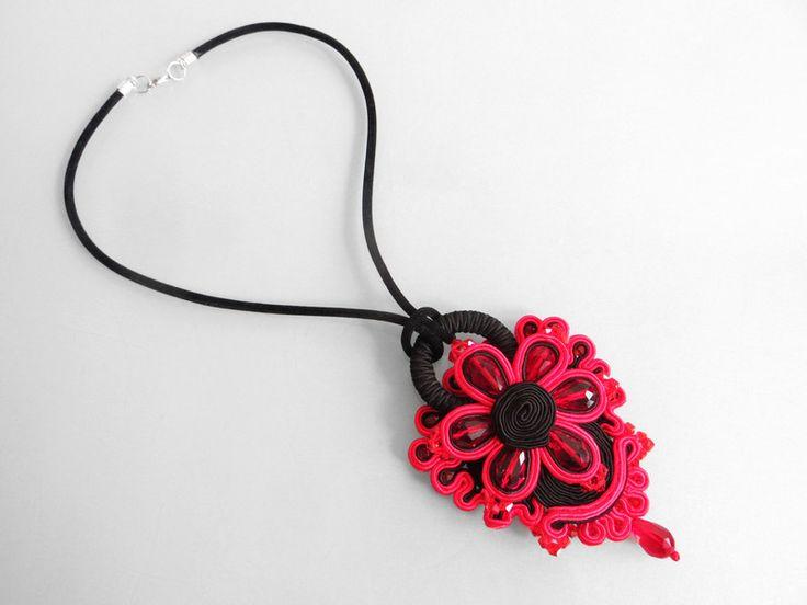 kwiat+w+czerwieni+w+Blanka+Needlework+Studio+na+DaWanda.com