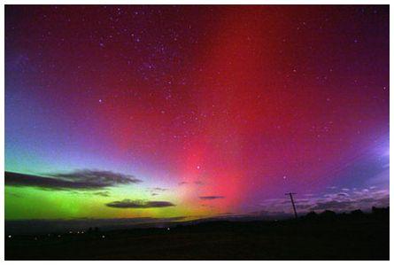 Aurora Australis  by Tony Travaglia   New Zealand Weather Forecasts