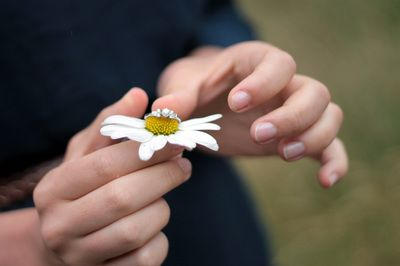 Engagement Ring Engagement Shoot Daisy