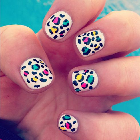Uñas de leopardo de colores - http://xn--decorandouas-jhb.com/unas-de-leopardo-de-colores/