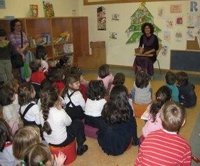Actividades infantiles. Encontrarás la programación vigente en http://www.zaragoza.es/ciudad/sectores/infancia/listado_Agenda?lugar_realizacion=biblioteca_sector=1=