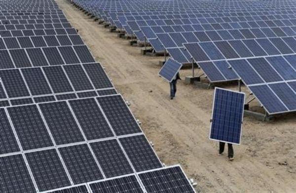 India Plans 25 Gigawatt Solar Power Park In Jammu Kashmir The Minister For New Renewable Energy And Power Rk Singh R Solar Panels Solar Buy Solar Panels