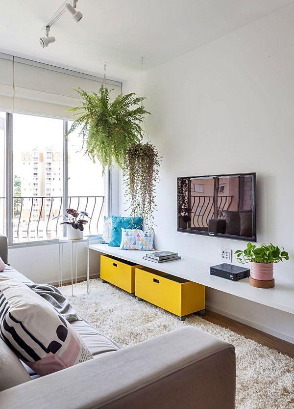 Pobre sala pequena e simples