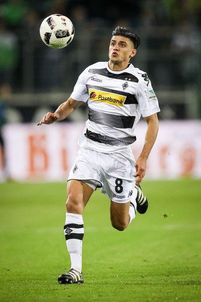 Mahmoud Dahoud of Moenchengladbach controls the ball during the Bundesliga match between Borussia Moenchengladbach and Hertha BSC at Borussia-Park on April 5, 2017 in Moenchengladbach, Germany.