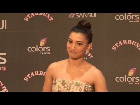 Gauhar Khan SIZZLING at Stardust Awards 2015.