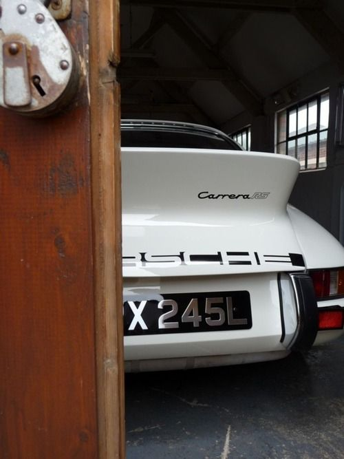 Porsche 911 Carrera RS - you have to keep this raging beast under lock & key...