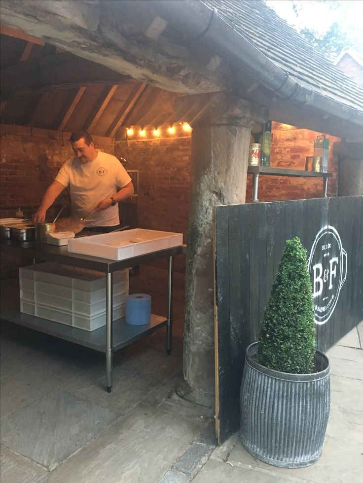 Pizzas went down a treat Saturday at shustoke farm barn. Why not have baz and Fred's fresh stone oven baked pizzas for your evening snack. Chilli and chorizo, goats cheese and caramelised onions. #shustoke #wedding #food