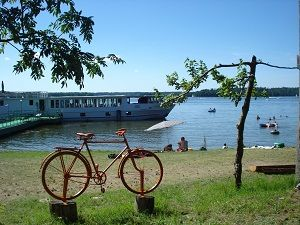 Widok na plażę w Wiosce Rowerowej