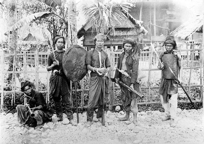 Alas warrior. Alas tribe, Aceh. Sumatra, Indonesia.