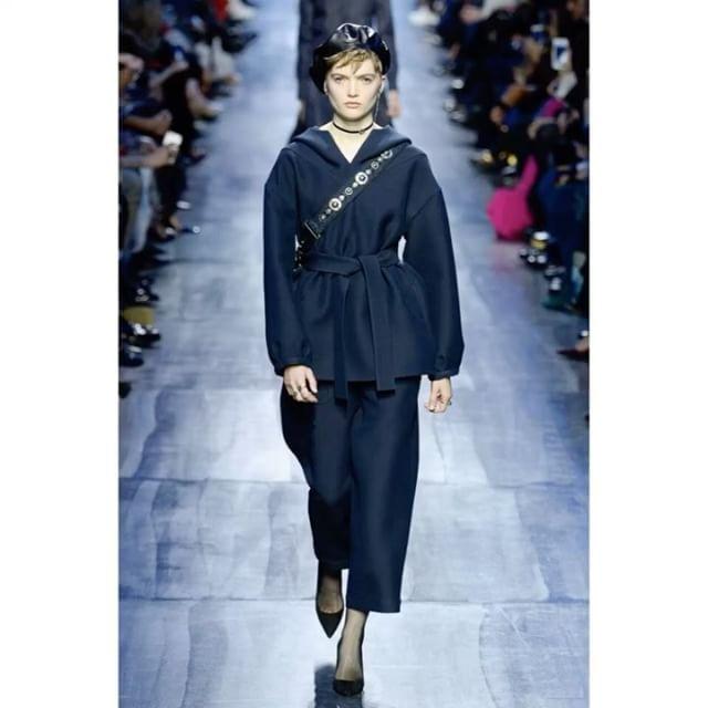 Blue fantasy at @Dior FW17. Full show on vogue.ru!/ Новая романтика Марии Грации Кьюри - синий шёлк бархат воланы и стразы на показе Dior только что завершившемся в Париже. Ищите все луки по ссылке в профиле!  via VOGUE RUSSIA MAGAZINE OFFICIAL INSTAGRAM - Fashion Campaigns  Haute Couture  Advertising  Editorial Photography  Magazine Cover Designs  Supermodels  Runway Models