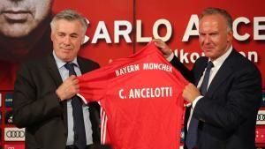 Carlo Ancelotti tritt seinen Dienst beim FC Bayern an - FCB.tv traf den neuen Trainer in seinem neuen Büro.