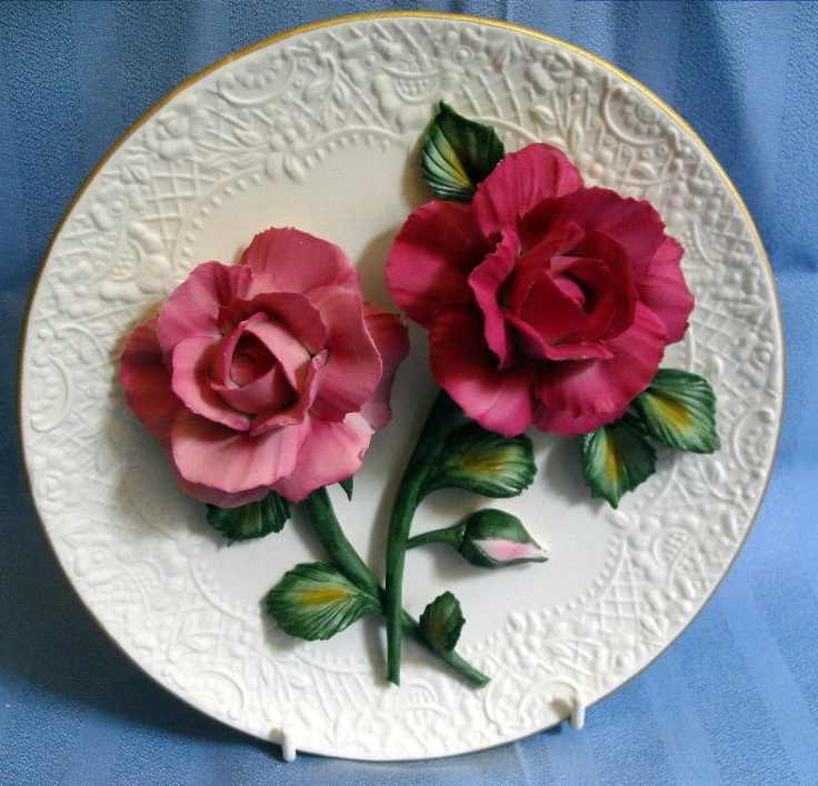 S7053 £SOLD Franklin Mint Roses of Capodimonte sculptured plate Silver Lavender 8in dia