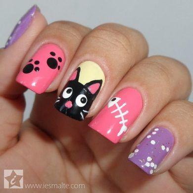 unhas decoradas com gatinhos coloridas