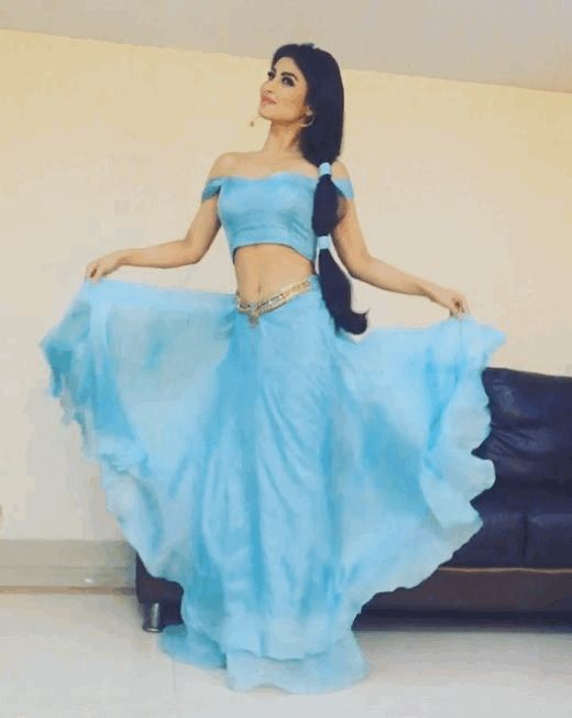 Shining, shimmering, splendid. | Mouni Roy FLAWLESSLY Dressed As Jasmine Is More Proof We Need A Desi Disney Princess NOW