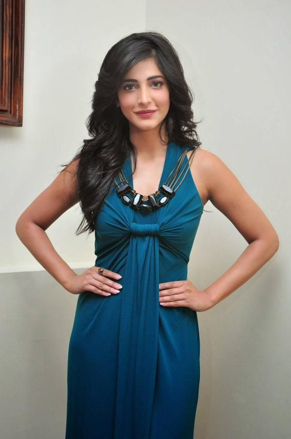 Shruti Hassan HD Spicy Photo Collection - TCinema