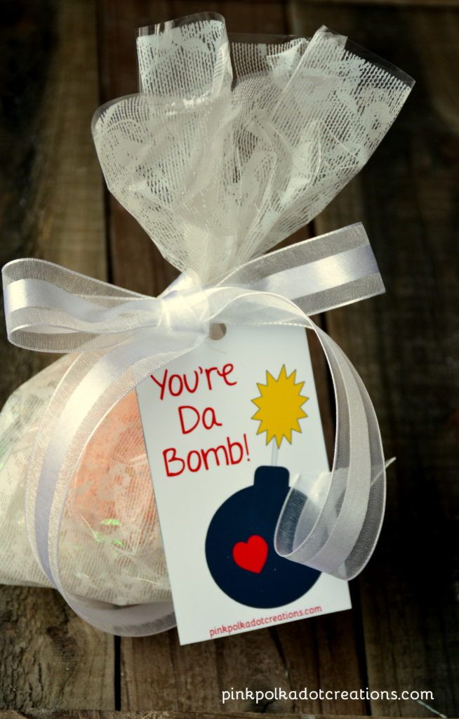 You're Da Bomb tag is perfect for your homemade bath bombs!  It is a free printable and it is great for Valentines Day, Birthdays, Just Because, Thank You's or for your visiting teaching handout!