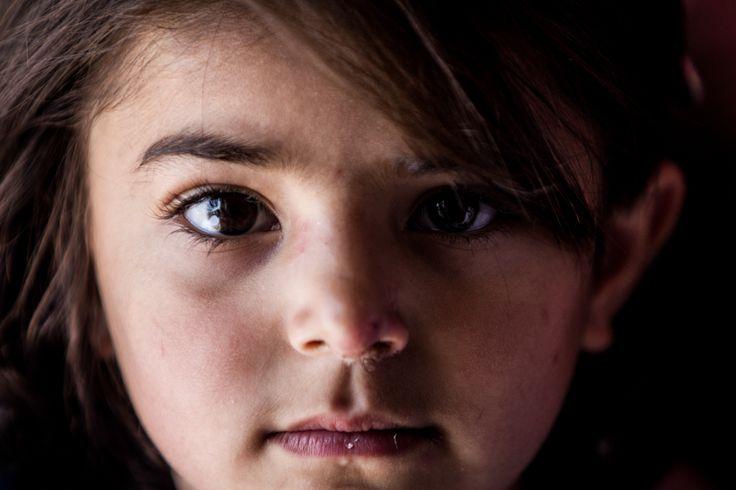 Sie erleben, wie Bomben ihr Zuhause und ihre Schulen zerstören - Notfall Syrien!