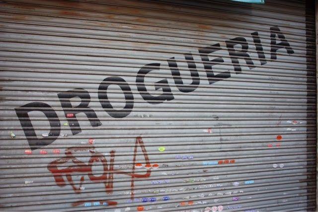 #Viaggiare #Murales #StreetArt #ViaggiatoridelGusto         I  Murales sono pitture fatte sui muri, un disegno, un dipinto che può ritenersi  una forma completa di pittura. Non vanno confusi con i Graffiti writing. Quest'ultimi, come dice il termine, nascono da scritte, per lo più in origine firme, graffiati.