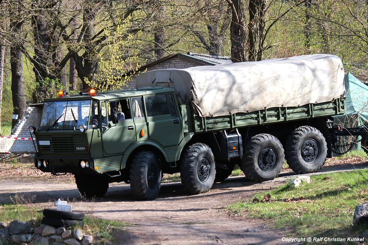 tatra ddr | Tatra 813 8x8 RZM schweres Radzugmittel - Schwerlastzugmaschine ...