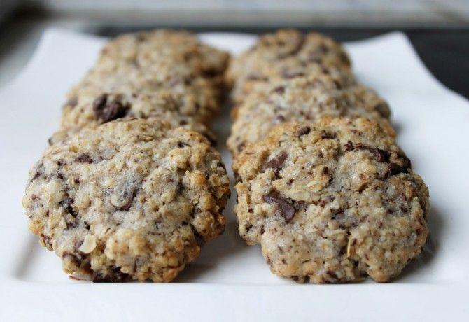 Étcsokis - zabpelyhes keksz recept képpel. Hozzávalók és az elkészítés részletes leírása. Az étcsokis - zabpelyhes keksz elkészítési ideje: 30 perc