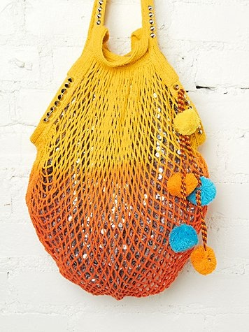 Shimmering Beach Bag  http://www.freepeople.com/current-catalog/shimmering-beach-bag/: At The Beaches, Katy Heart, Free People Clothing, Summer Bags, Beaches Bags, Pom Pom, Shimmer Beaches, Beaches Sunsets, Clothing Boutiques