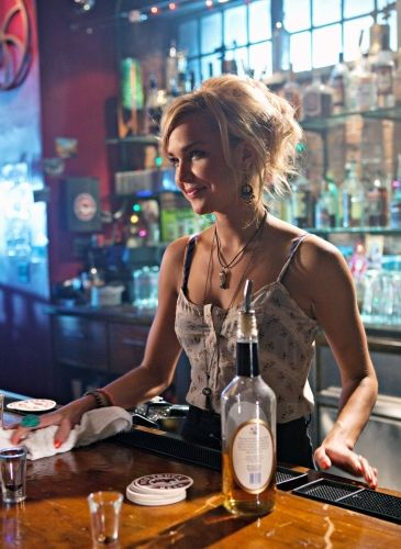 Arielle Kebbel in Life Unexpected
