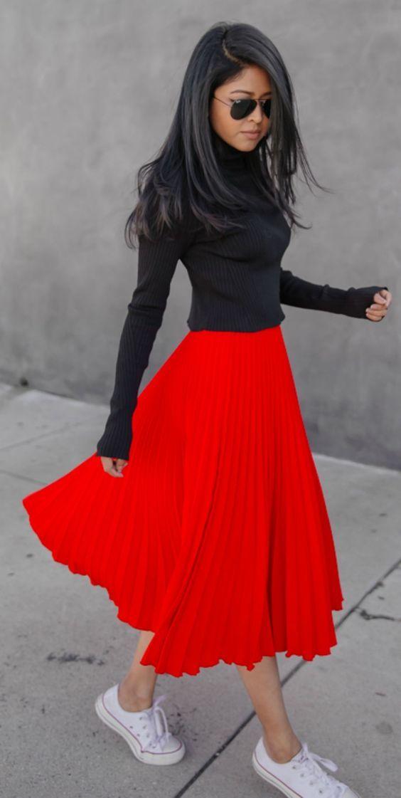 Classic white converse perfect choice statement skirt fancy pleated one Sheryl Luke Top: Zara Skirt: Topshop Shoes: Converse. Black Pleated Skirt Outfit, Red Skirt Outfits, Midi Skirt Outfit, Red Skirts, Pleated Midi Skirt, Red Dress Outfit Casual, Fancy Skirts, Zara Outfit, Flared Skirt