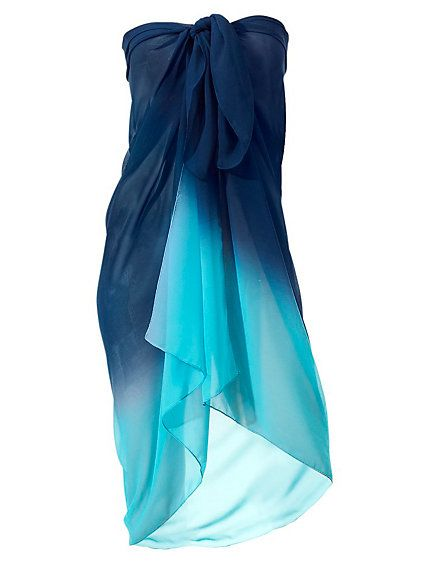 Love the blues on this sarong, the perfect wrap for when you get out of the sea!