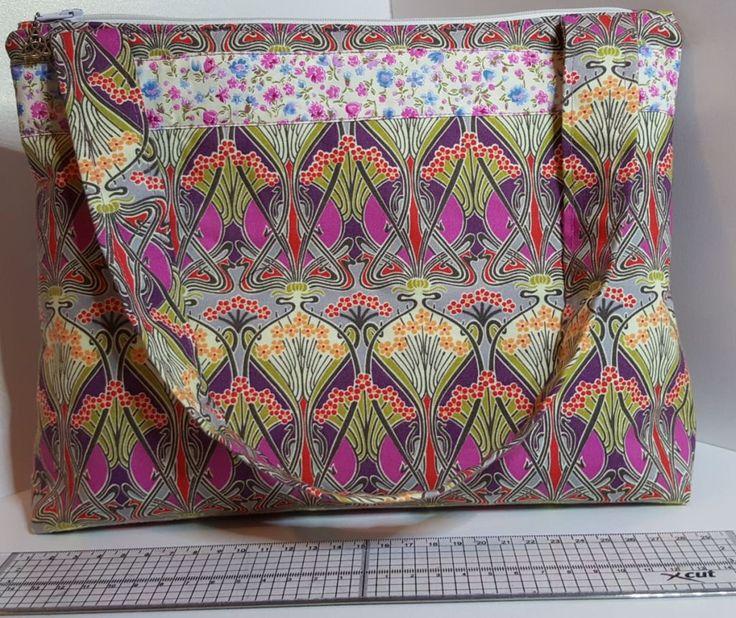Zip top handmade handbag (No inner pockets) by CarolFleetDesigns on Etsy