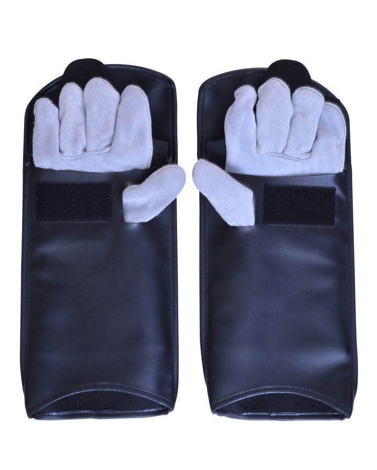Heavy-duty leather palm guards handle small pets safely! A must for every small animal groomer, our durable protective gloves cover hands and arms up to the elbow, shielding groomers from bites and scratches. Constricted of heavy duty leather (allowing for maximum comfort and durability), they are puncture and chew-resistant. Perfect for use with cats,dogs,birds,ferrets and other small animals.