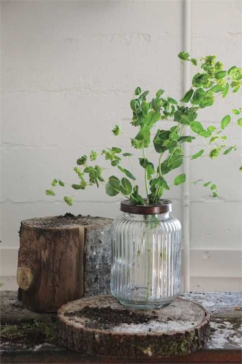Looking For Rustic Wedding Decorations This Beautiful Clear Glass Floral Jar Has A Metal Flower