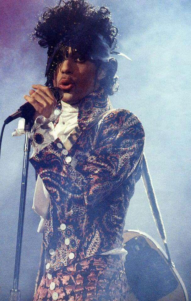Classic Prince | 1984/85 Purple Rain Tour - Prince was already into the paisley pattern as you can see on his amazing Purple Rain '84/'85 era!