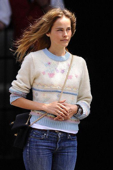Isabel Lucas Clothes
