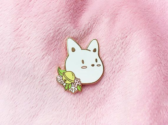 "♡ *Ring ring* what's that..? It's this cute cat! and he brought you some flowers. This cat pin is a perfect gift for cat lovers!♡ - Hard enamel pin 30mm (1.1"") - Rose gold plating - Yellow rubber backings - Original designed backing card ✉ All pins will be safely shipped in a padded"